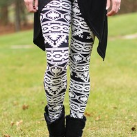 Better in Black & White Patterned Legging