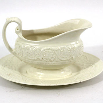 "Vintage Wedgwood ""Patrician"" Gravy Boat with Attached Underplate Made in England 1940 & Onwards 