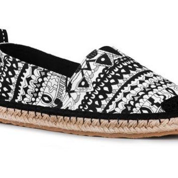 Sakroots Ella Black & White One World Flat Espadrille