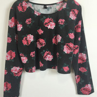 Black Rose Print Long Sleeve Cropped Top