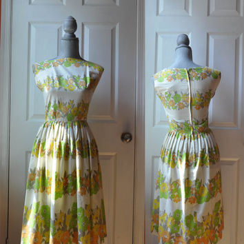 Vintage 1950s dress | floral cotton print 50s dress • Garden Party dress