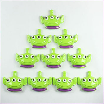 Lot 10pcs Resin Toy Story Alien Flatback Flat Back Frame Craft Deco Scrapbooking Hair Bow Center Frame Card Making Crafts DIY