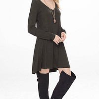 Marled V-neck Long Sleeve Trapeze Dress from EXPRESS