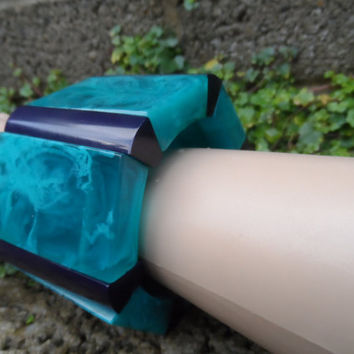 Vintage Bakelite stretch bangle - turquoise and purple blue vintage Deco costume jewellery bangle - heavy chunky early plastic Bakelite