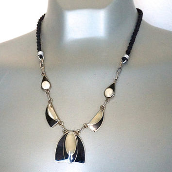 Vintage Necklace,Black Necklace,Mother of Pearl Inlay Necklace,Art Deco Style Necklace,Silver Tone and Black Necklace,Tribal Costume Jewelry