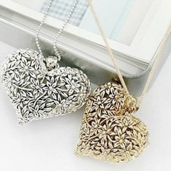 New Fashion Vintage Hot-selling Hollow Out Peach Heart Alloy Long Chain Necklace = 1669407684