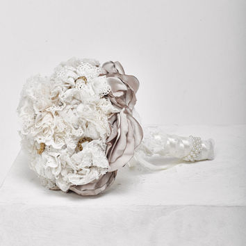 Vintage style bouquet, Fabric bouquet, flowers vintage, bridal bouquet, brooch bouquet, flower bouquet, bridesmaids bouquets,chiffon bouquet