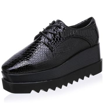 Women Snakeskin Patent Leather Square Toe  New Lace Up Woman Platform Shoes Flats