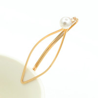 Simple Design Pearls Ladies Gold Hair Clip Hair Accessories Style Accessories = 4806943428