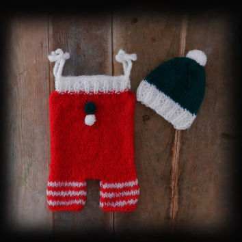 Baby Elf Outfit/ Baby Christmas Outfits/ Baby romper and hat set/ Knit Baby romper/ Knitted Baby Overalls/ Christmas Newborn Photo prop