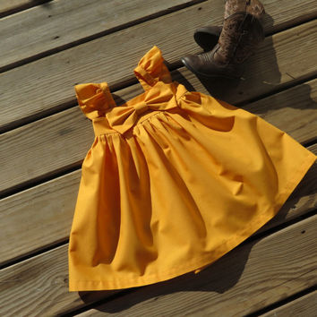 Mustard Flutter sleeves Big bow Dress,Girls puffy sleeves dress,Baby outfit,toddler big bow dress,flower girls dress,rustic,photo prop