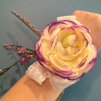 Purple Corsage, Wrist Corsage, Flower Corsage, Mother's Day Corsage, Gift For Mom, Mother's Day Gift, Prom Gift