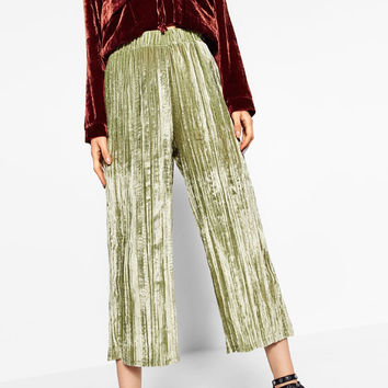 FLOWING VELVET TROUSERS DETAILS