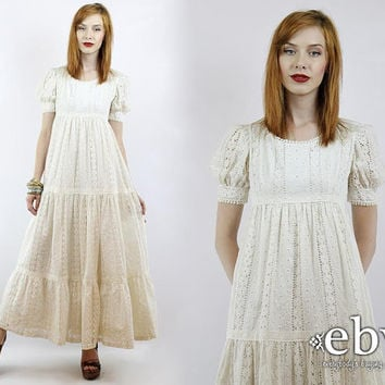 Vintage 70s White Eyelet Lace Hippie Wedding Dress XS S Hippie Dress Hippy Dress Hippy Wedding Dress Boho Wedding Dress White Dress