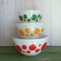 Agee/Crown Pyrex 'polka dot' set of three Mixing Bowls Australian Pyrex Dot Bowls