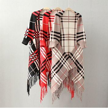 DCCKJ1A Autumn new plaid cape fringed shawl sweater coat cape