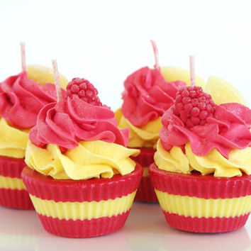 Raspberry Lemonade Soy Cupcake Candles (4)