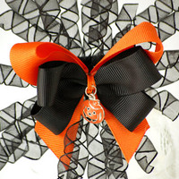 Happy Halloween hair bow clip from VioletsBuds
