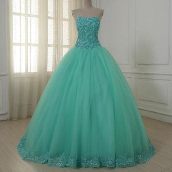 Sweetheart Color Wedding Dresses Lace Applique Tulle Vintage Ball Gown Sweep Train Wedding Gowns