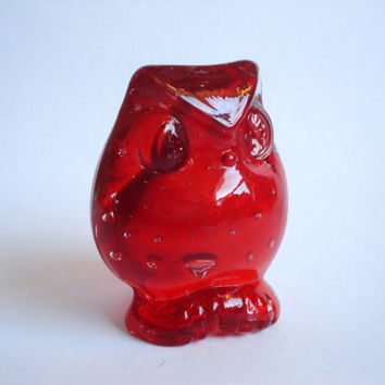 Vintage Ruby Red Art Glass Owl Figurine Paperweight by lheurebleue