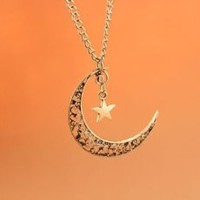 Crescent Moon Necklace,star Necklace,retro Silver Little Cute Star and Crescent Moon Pendant