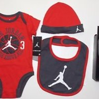 AIR JORDAN 5-piece Outfit Gift SET Baby BOYS Bodysuit, Bib, Hat, Booties 0-6 Mon