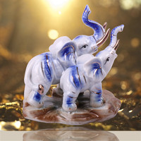 2016 New Design Animal Figurine Statue Elephants Mum and Child Ceramic Elephant Handicraft Full of Love Kawaii Home Decoration