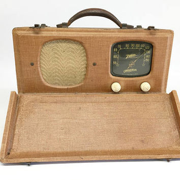 Vintage Radio, Zenith Radio, Zenith Tube Radio, Zenith 5G500 Radio, Music Studio Decor, Portable Radio, Zenith Wavemagnet Radio