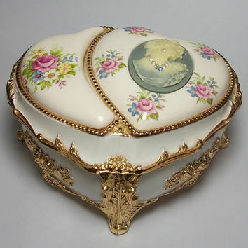 Vintage Sankyo Music Box Trinket Box Victorian Cameo Two Hearts Floral & Gold Tone - Phantom of the Opera Music of the Night Made in Japan