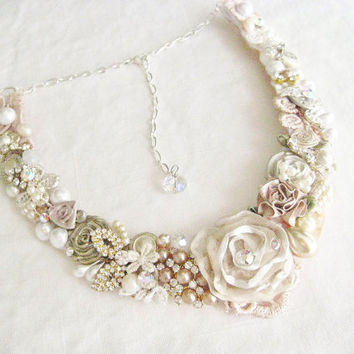 Blush Bridal Bib Necklace- Champagne Pink Wedding Statement Necklace- Blush Wedding Jewelry- Blush Pink Necklace- Pink Floral Necklace
