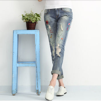 Spring/summer ripped jeans woman holes denim pants embroidered leisure jeans pants for women loose blue female jeans trousers