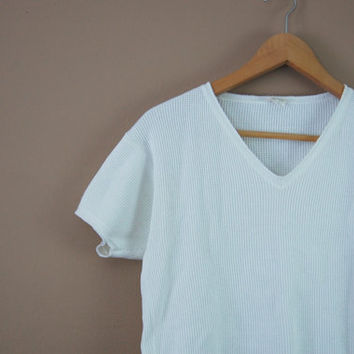90s White Crop Top - Thermal Top V Neck Tee 90s Crop Top Small Boxy Top 90s Minimalist Cropped Tee Cotton T Shirt 90s Clothing Thermal Tee