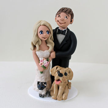 Couple Cake Topper Wedding - Personalized People Figurines with dog and cat - Custom Design