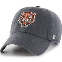 DCCKG8Q MLB Detroit Tigers Cooperstown Collection Clean Up Hat