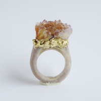 Raw Spirit Quartz Carved Antler Ring by WhiteAether Size 5.75, 6, 6.5, 7, 7.5, 8