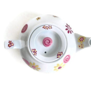 Teapot from Alice in Wonderland Tea Set