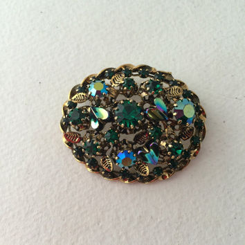 Emerald Green Brooch, Twisted Gold-tone Edge, Teal Aurora Borealis sets, Art Glass Hearts, Oval Domed Vintage Pin, Made in Austria