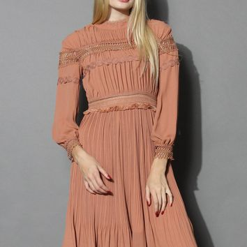 Retro Vibe Ruffled Midi Dress in Amber