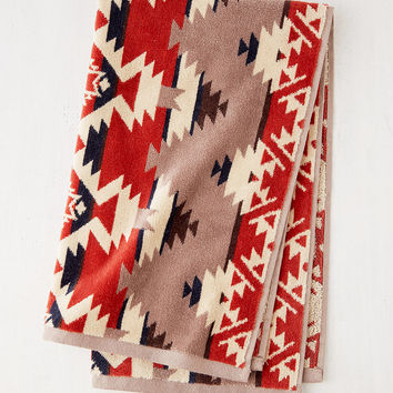 Pendleton Mountain Majesty Jacquard Hand Towel | Urban Outfitters