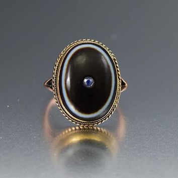 Superb Antique Gold Banded Agate and Sapphire Ring