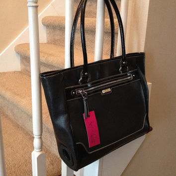 Classic Black Tote Ready to Pair with a 5 Liter Wine Bag