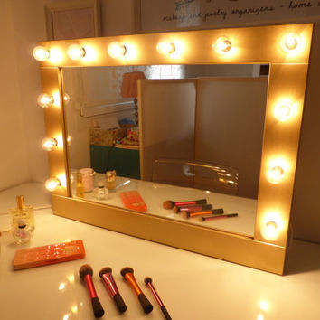 Hollywood mirror with lights - vanity mirror - lighted makeup mirror - wall hanging or self-standing - miroire maquilleuse