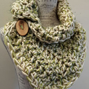 Crochet Olive Scarf. Infinity Scarf. Infinity Cowl. Cowl. Scarf. Chunky. Katniss inspired cowl. Wood button cowl. Button scarf.