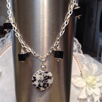 5#    Ankle Bracelet And Earrings With    Flowers On Perlison Flat stones In Black ! Scrumptious!