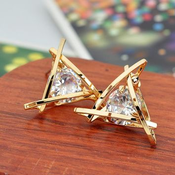 ES983 Fashion Exquisite Triangle Pierced Crystal Zircon Stud Earrings Jewelry For Women Ear Studs Gifts Brincos One Direction
