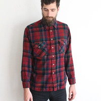 Vintage 90s Men's Red Flannel Button Up Shirt // Medium Long Sleeve