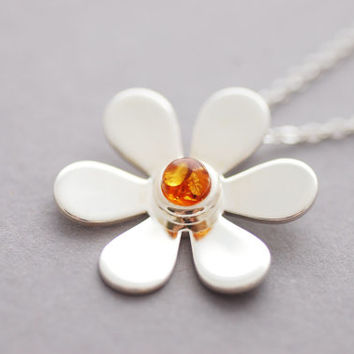 Amber Daisy Necklace, Silver-Plated Amber Cabochon Flower Necklace, Gift for Her