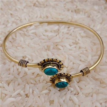 Beautiful And Delicate Brass Bracelet With Turquoise Gemstone - Tribal Jewelry - Ethnic Jewelry - Native American Jewelry - Indian Jewelry