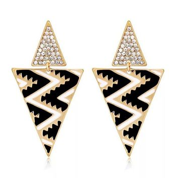 2018new alloy earrings Fashion black and white earrings Black drip pine earrings European and American crystal earrings