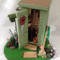 Dolls House Miniatures - Gardeners Potting Shed & Garden